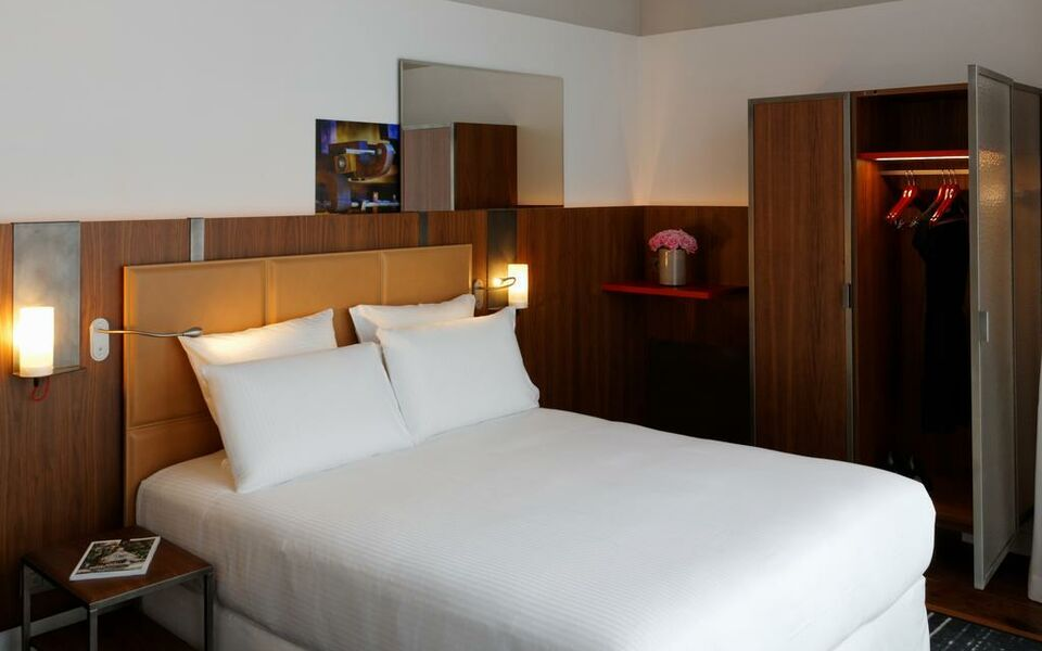 Hotel Boutet Rue Faidherbe Paris