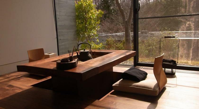 Niki club nasu japan for Schreibtisch vor heizung