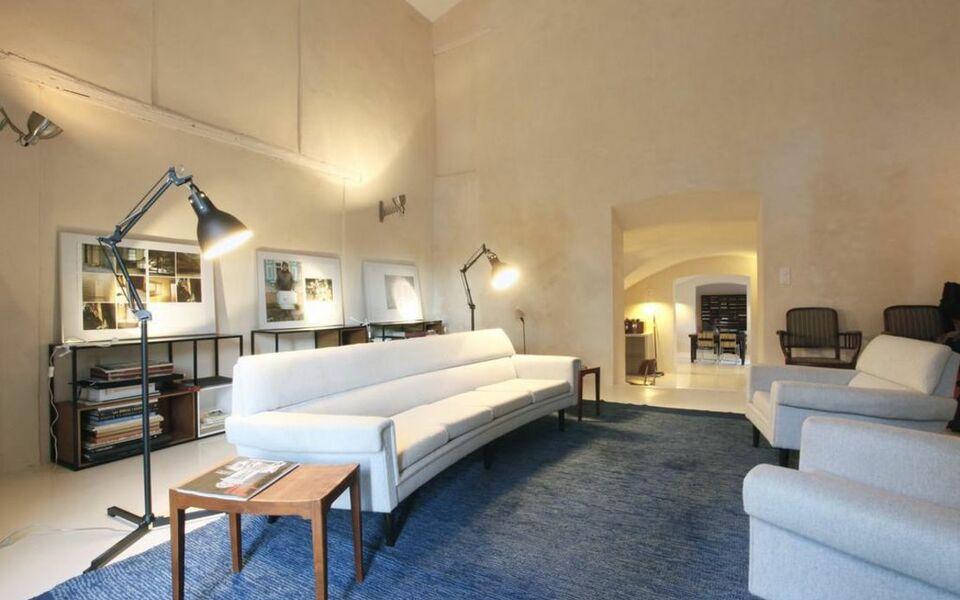 Maison collongue a design boutique hotel lourmarin france for Boutique decoration maison