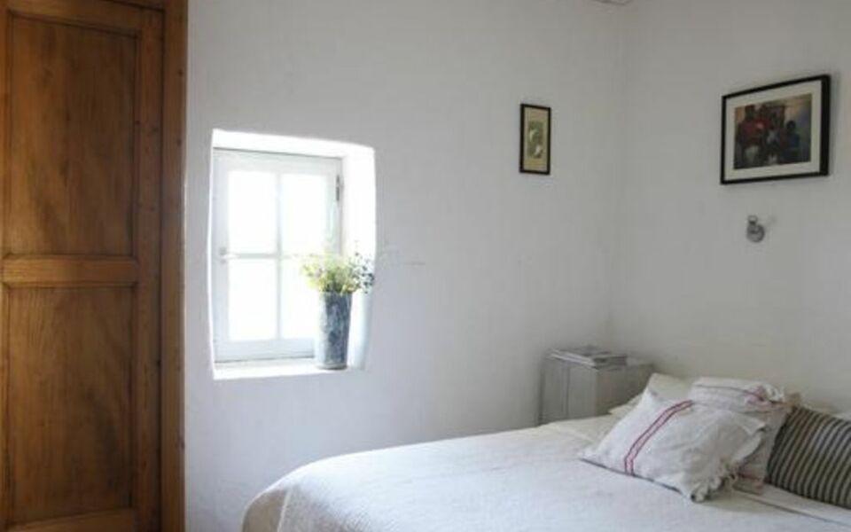 Les sardines aux yeux bleus chambres d 39 h tes a design boutique hotel aigaliers france - Chambre d hote ruoms ...