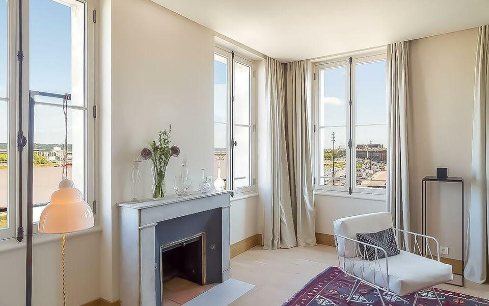 Bordeaux river suite a design boutique hotel bordeaux france for La boutique bordeaux hotel