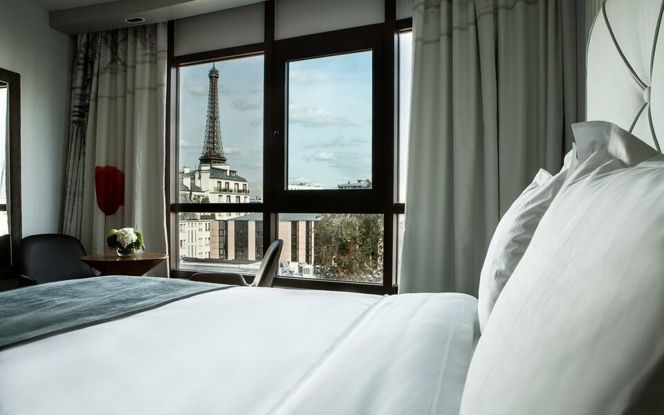 Le parisis paris tour eiffel a design boutique hotel for Eifel design hotel