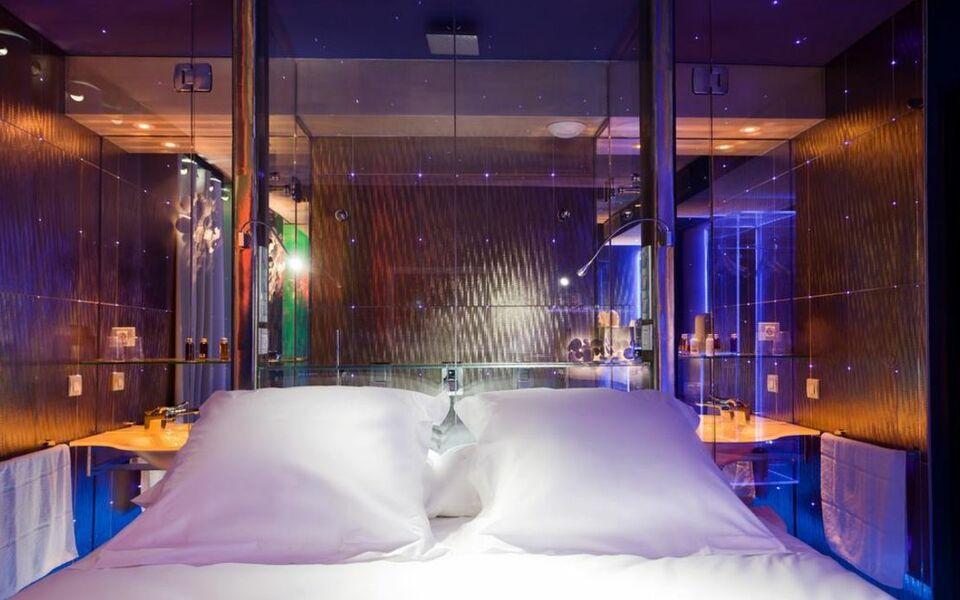 Seven hotel a design boutique hotel paris france for Hotel design paris 7