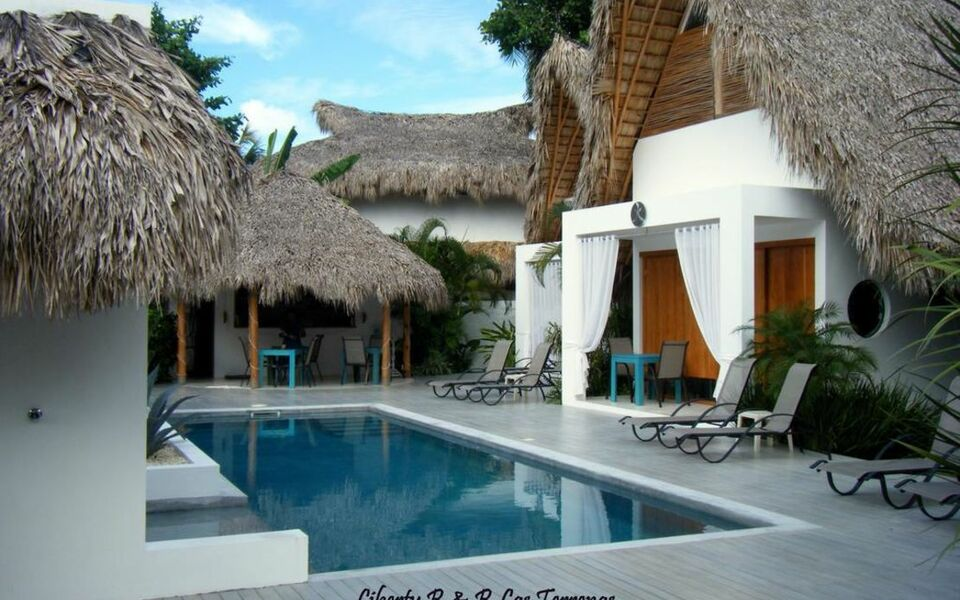 las terrenas chatrooms Casa de gilles guesthouse, las terrenas from portillo beach and 7 minutes' drive from las terranas village the rooms to chat to in the evenings and.