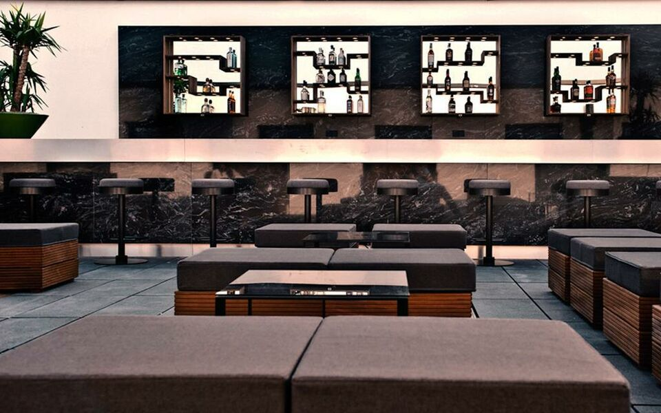 Amano Grand Hotel Bar