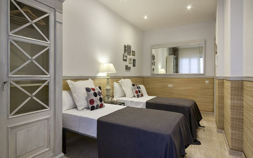 Ribera beach sitges spanien for Boutique hotel group