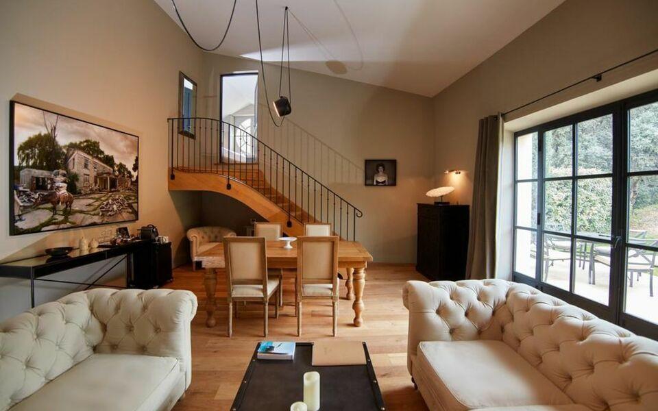 domaine de fontenille a design boutique hotel lauris france. Black Bedroom Furniture Sets. Home Design Ideas