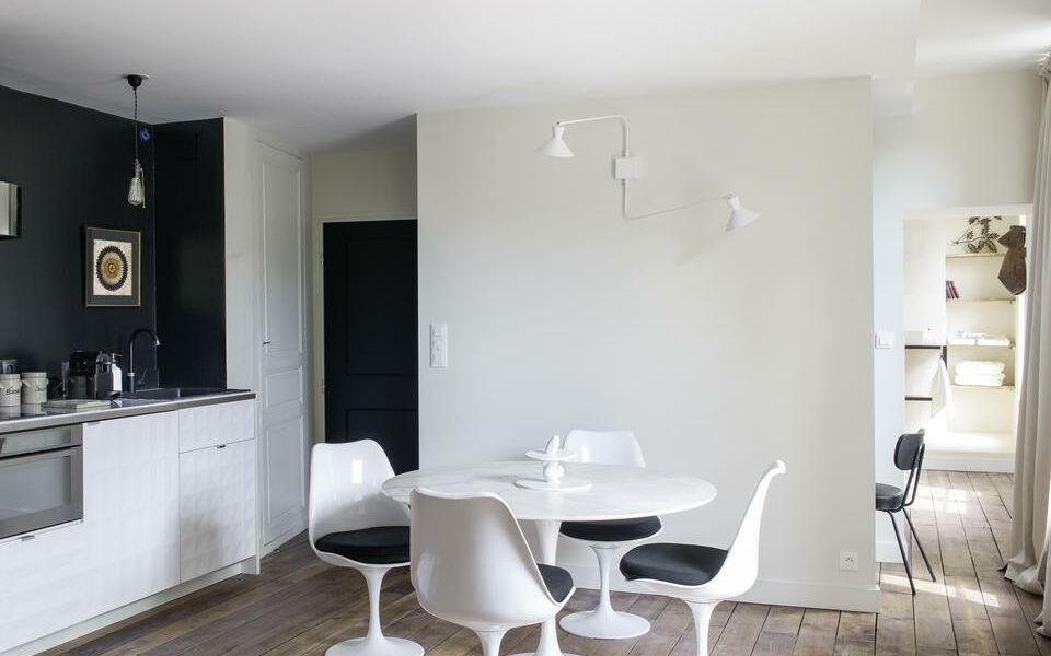 chez laurence du tilly caen france my boutique hotel. Black Bedroom Furniture Sets. Home Design Ideas