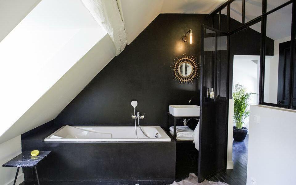 chez laurence du tilly caen francia. Black Bedroom Furniture Sets. Home Design Ideas