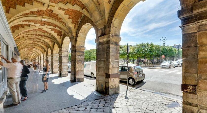Si-place Des Vosges  Paris  France