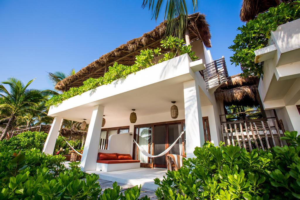 The beach tulum a design boutique hotel tulum mexico for Boutique hotel vacations