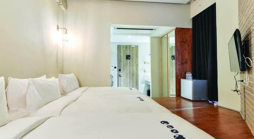Kokotel surawong bangkok tailandia for Hotel augustus habitacion familiar
