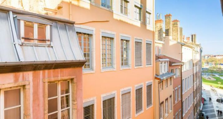 Apt desir e a design boutique hotel lyon france for Lyon hotel design