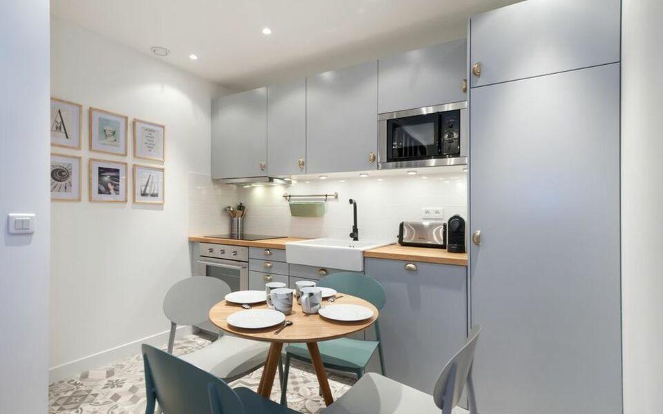 Pick a flat virtue boutique apartments le marais a for Flat hotel paris
