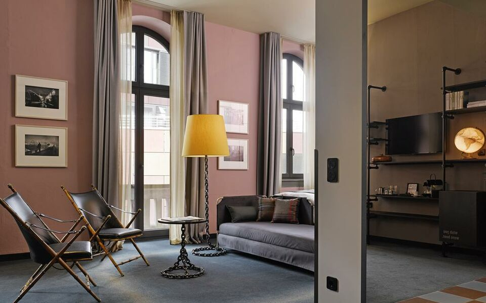 25hours hotel altes hafenamt hamburg allemagne my boutique hotel. Black Bedroom Furniture Sets. Home Design Ideas