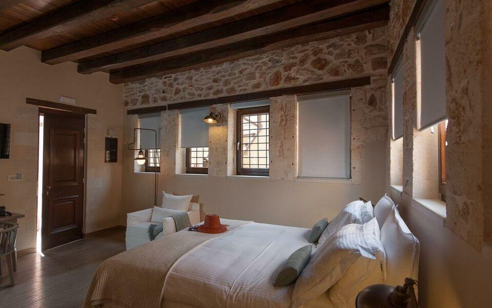 Serenissima boutique hotel chania town griechenland for Design hotel crete