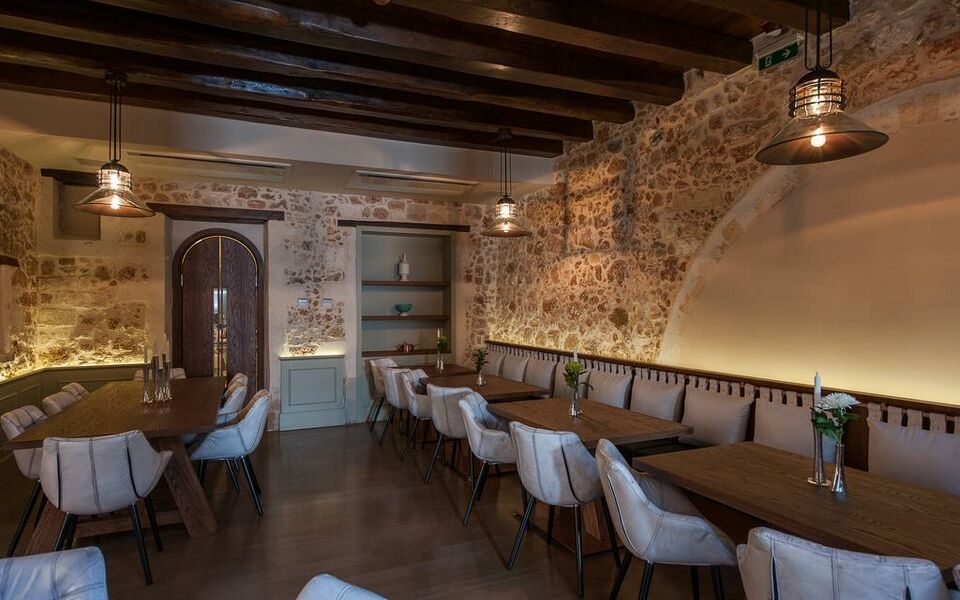 Serenissima boutique hotel a design boutique hotel chania for Boutique hotel crete