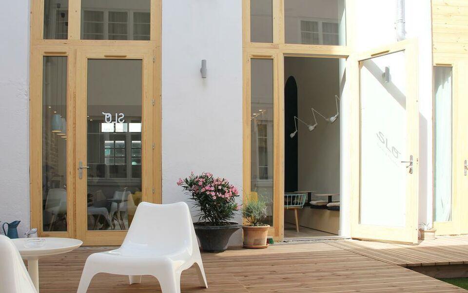 slo living hostel lyon frankreich. Black Bedroom Furniture Sets. Home Design Ideas