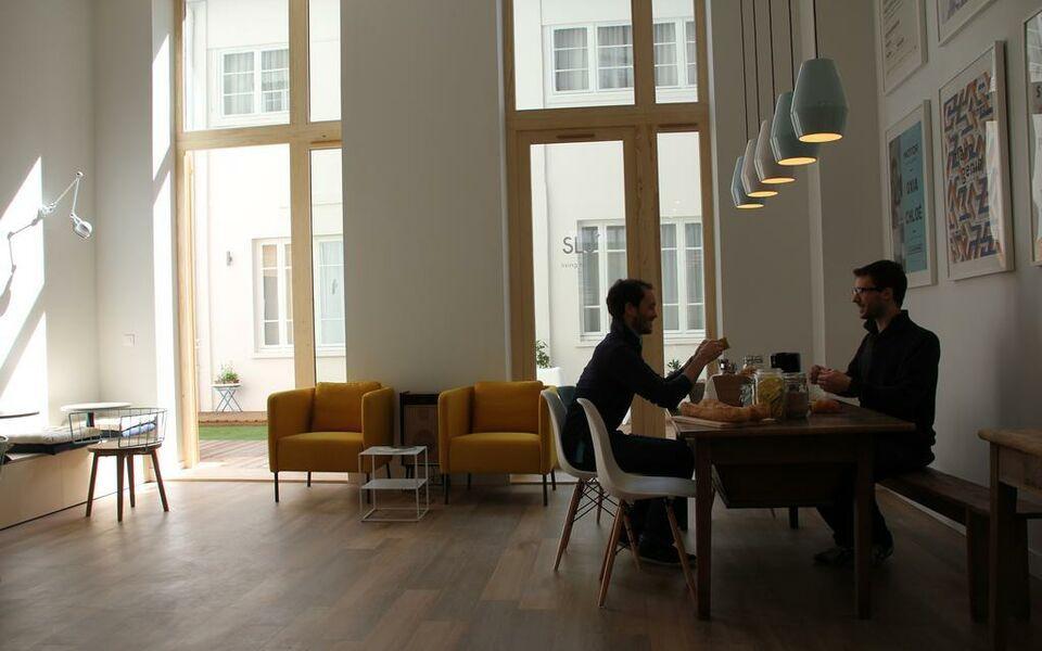 slo living hostel lyon francia. Black Bedroom Furniture Sets. Home Design Ideas