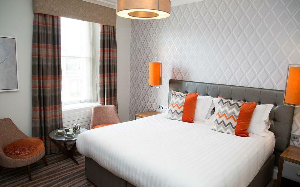 Family Room Keswick Hotel