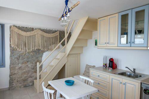 enastron suites santorini griechenland. Black Bedroom Furniture Sets. Home Design Ideas