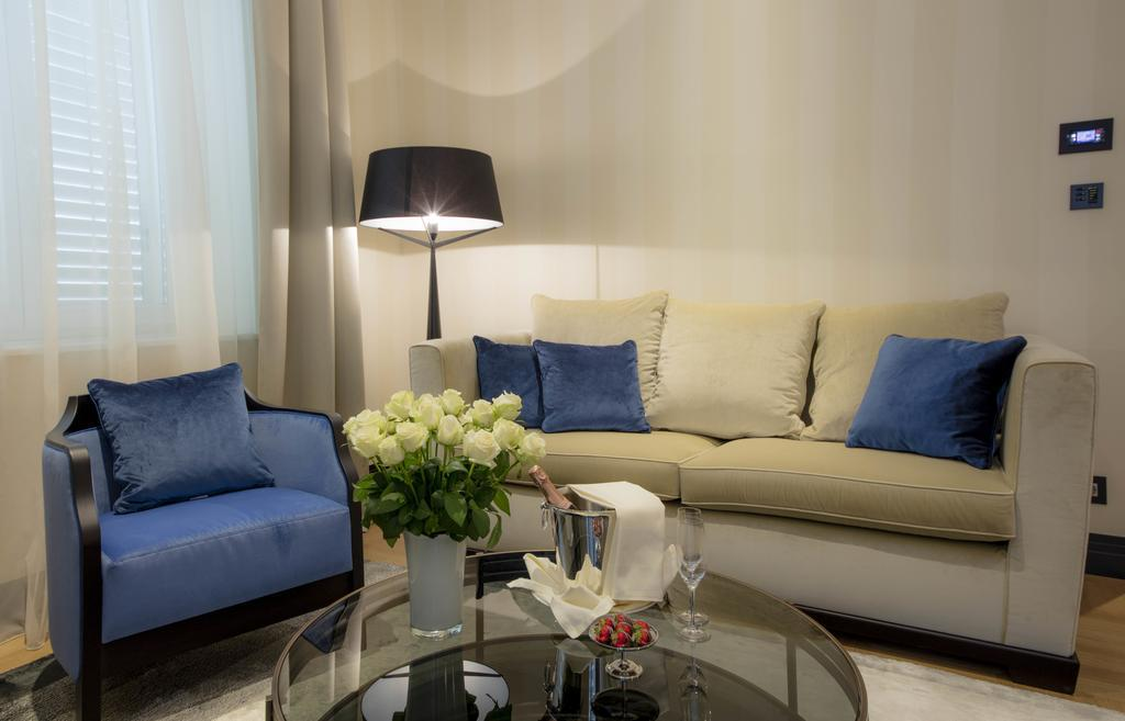 alhambra chat rooms All rooms are booked under the  chat or phone booking summary hotel alhambra 13 rue de malte, paris , france, 75011 this room is not refundable your.