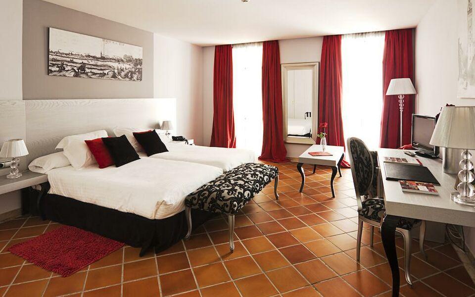 Hotel los seises by fontecruz s ville espagne my for Boutique hotel espagne