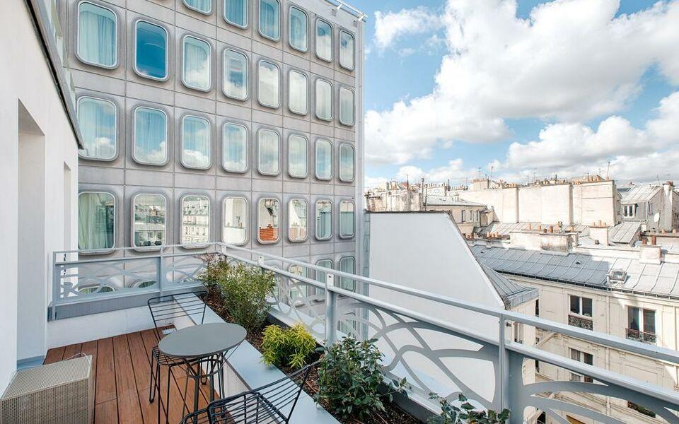 Renaissance paris republique hotel spa a design for Hotel design paris 8