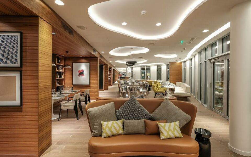 Renaissance Paris Republique Hotel  U0026 Spa  A Design