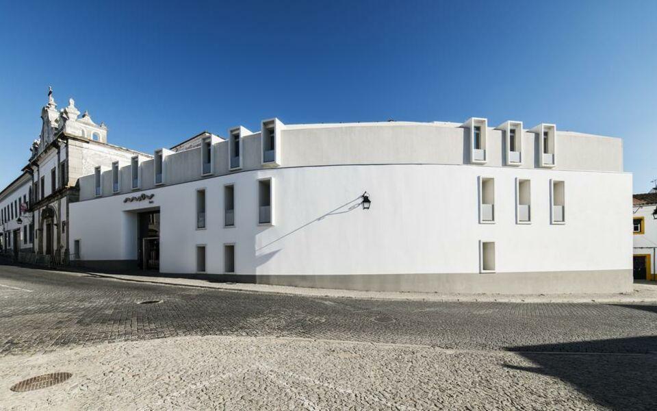 moov hotel vora vora portugal my boutique hotel. Black Bedroom Furniture Sets. Home Design Ideas