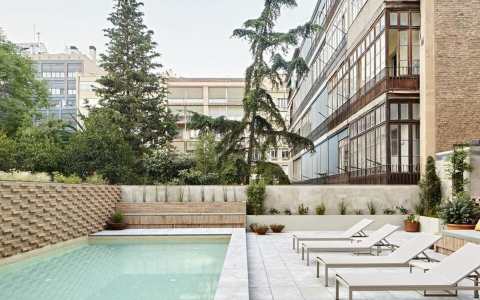 Alexandra barcelona hotel curio collection by hilton a for Boutique hotel barcelone