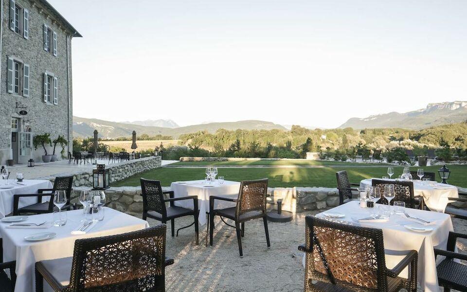 Ch teau les oliviers de salettes chateaux et hotels for Boutique hotel collection