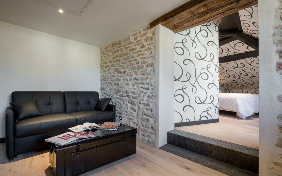 Maison du colombier a design boutique hotel beaune france for Boutique decoration maison