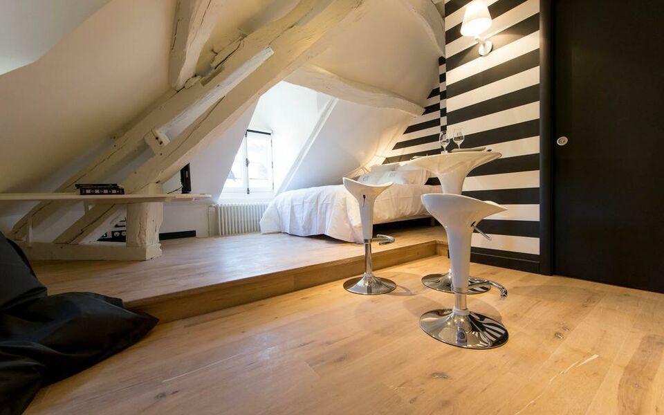 Maison du colombier a design boutique hotel beaune france for Boutique decoration maison