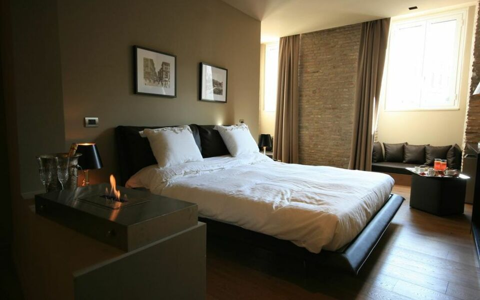 Campo Marzio Luxury Suites, Rome (4)