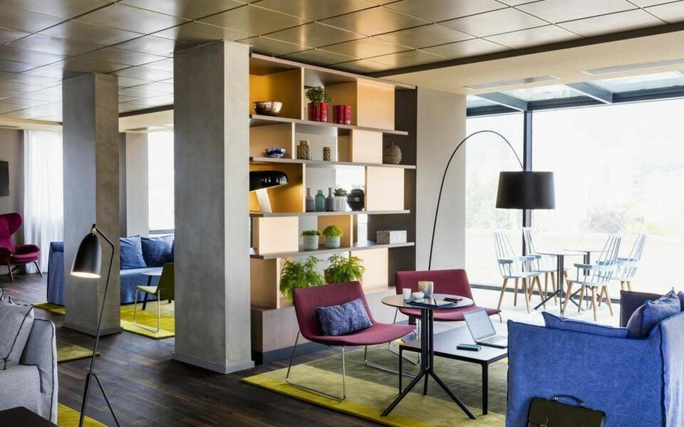 okko hotels paris rueil malmaison rueil malmaison france my boutique hotel. Black Bedroom Furniture Sets. Home Design Ideas