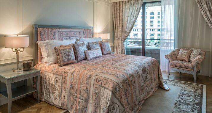 palazzo versace dubai dubai mirats arabes unis my boutique hotel. Black Bedroom Furniture Sets. Home Design Ideas