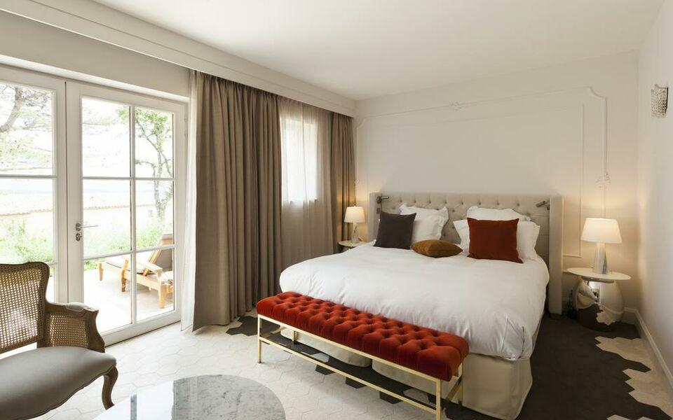 Mas des herbes blanches a design boutique hotel joucas for Boutique hotel luberon