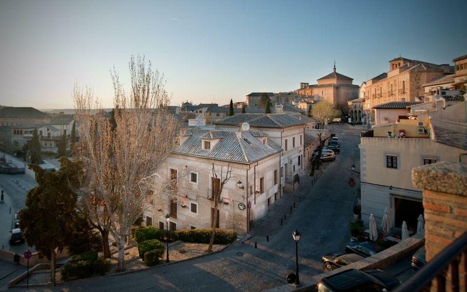 Sercotel pintor el greco a design boutique hotel toledo spain for Sideboard toledo