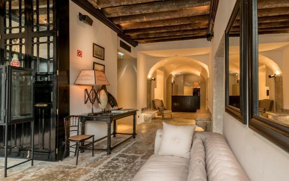 Almalusa baixa chiado a design boutique hotel lisbon for Decor hotel lisbon
