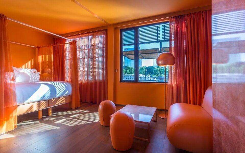 hotel off paris seine a design boutique hotel paris france. Black Bedroom Furniture Sets. Home Design Ideas