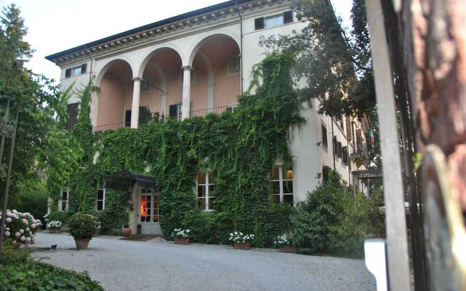 Hotel villa la principessa a design boutique hotel lucca - Hotels in lucca italy with swimming pool ...