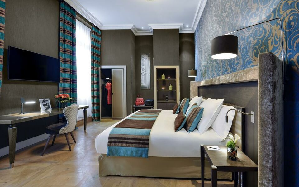 la cour des consuls hotel and spa toulouse mgallery by. Black Bedroom Furniture Sets. Home Design Ideas