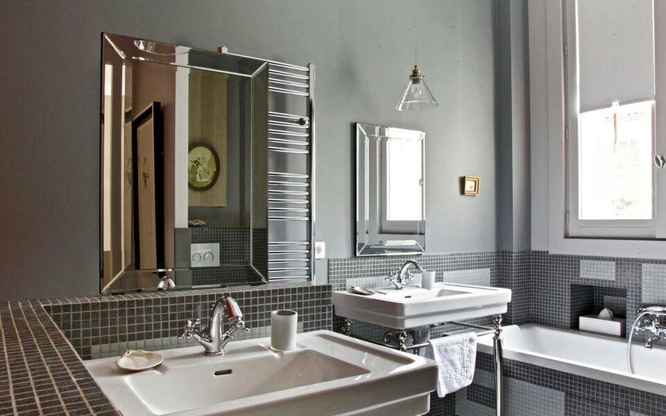 Villa du square parigi francia - 10 square du docteur blanche 75016 paris ...