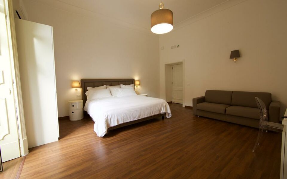 napoliclass naples italie my boutique hotel. Black Bedroom Furniture Sets. Home Design Ideas