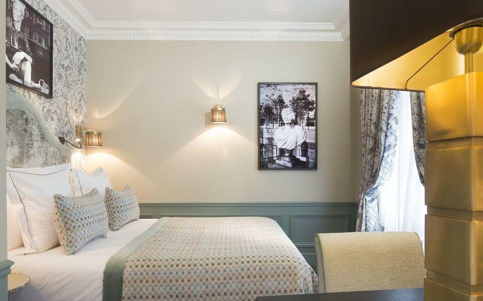 le saint hotel paris paris france my boutique hotel. Black Bedroom Furniture Sets. Home Design Ideas