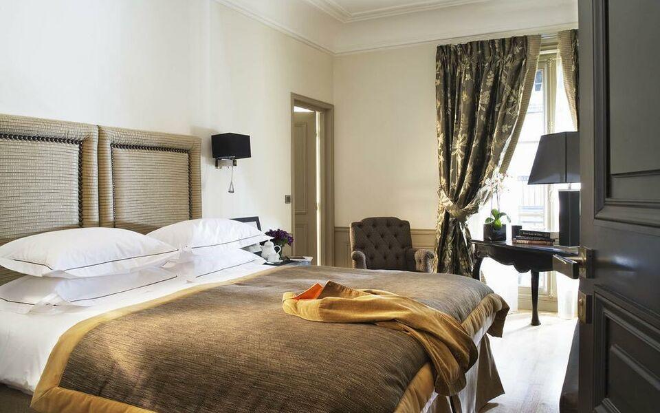 le saint hotel paris a design boutique hotel paris france. Black Bedroom Furniture Sets. Home Design Ideas