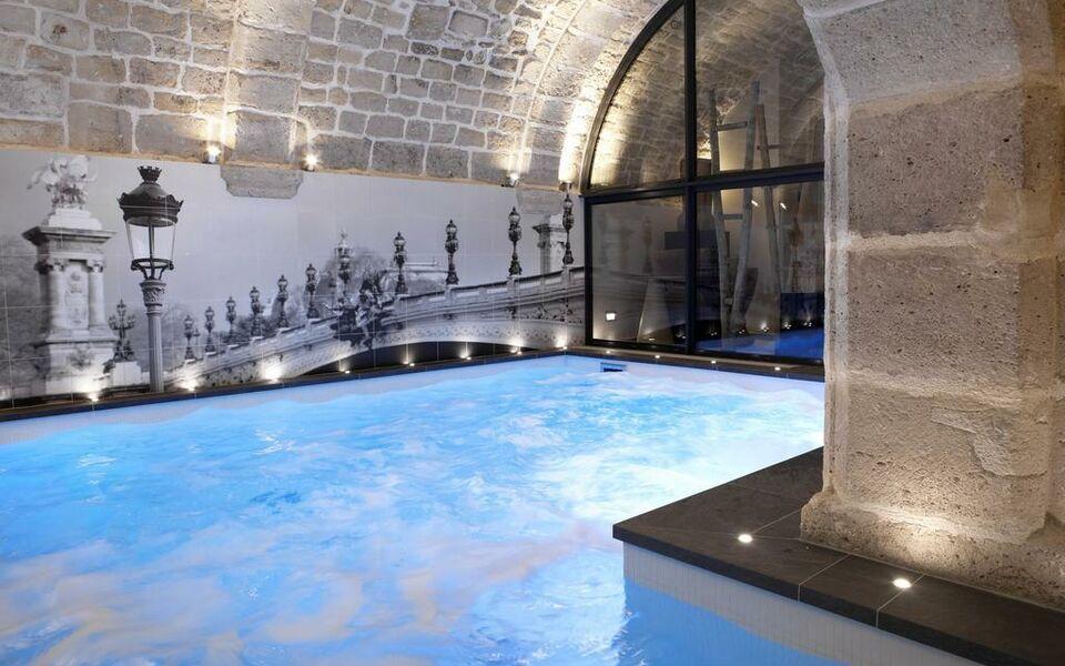 Hotel la lanterne paris france my boutique hotel - Hotel avec piscine interieure paris ...