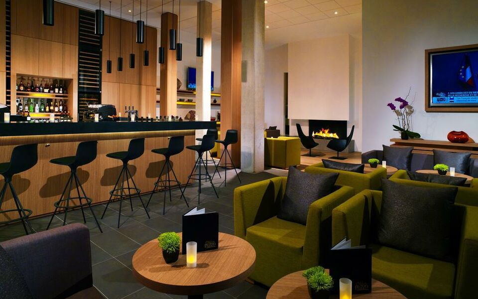 courtyard by marriott montpellier a design boutique hotel montpellier france. Black Bedroom Furniture Sets. Home Design Ideas