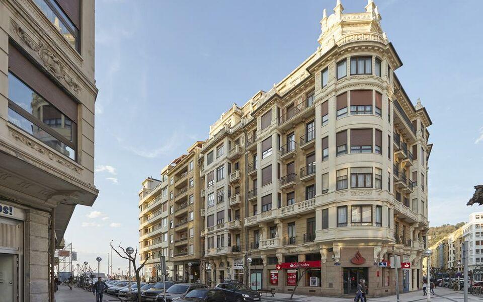 Hotels Near San Sebastian
